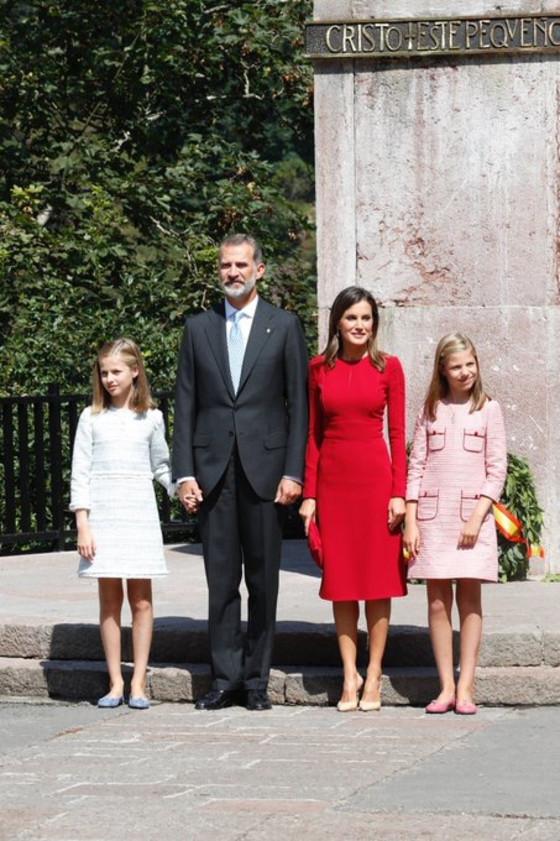 Reina Letizia, princesa leonor, rey felipe, infanta sofia
