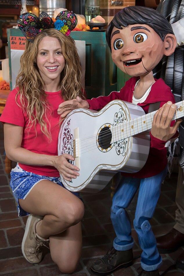 Shakira, Disneyland