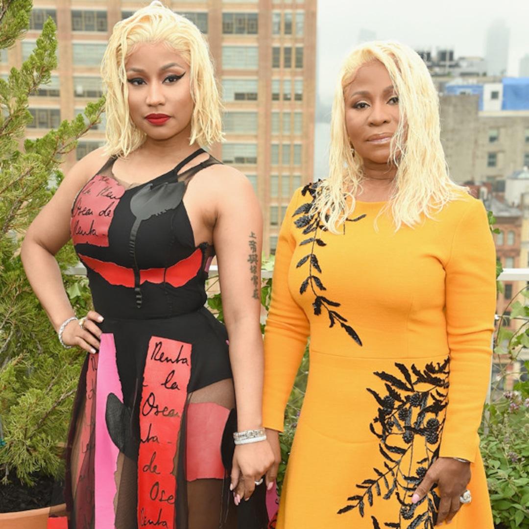 Nicki Minaj Attends Oscar De La Renta Show With Her Mom After