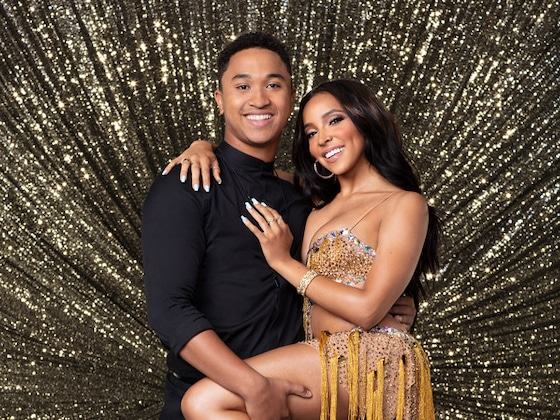 <I>Dancing With the Stars</I> Season 27 Front-Runners Dish Injuries, Challenges and Those High Scores