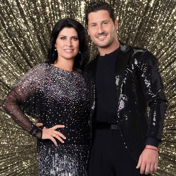 Who is dating on dwts 2019
