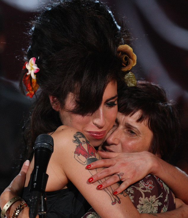 rs 634x732 180913112958 634 janis mom amy winehouse - The Tragic Truth About Amy Winehouse's Final Days