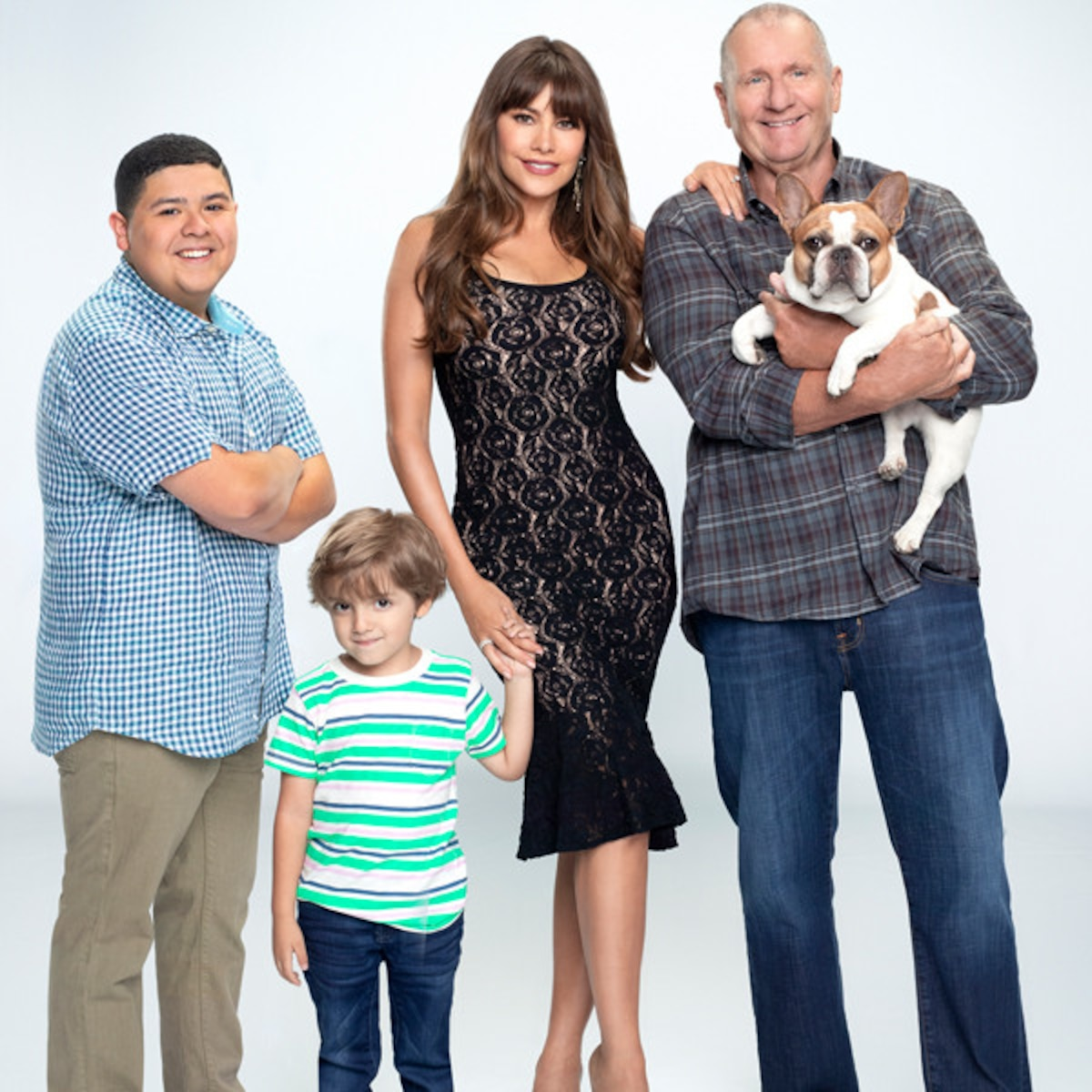 A Modern Family modern family is going to kill a character, but who? | e