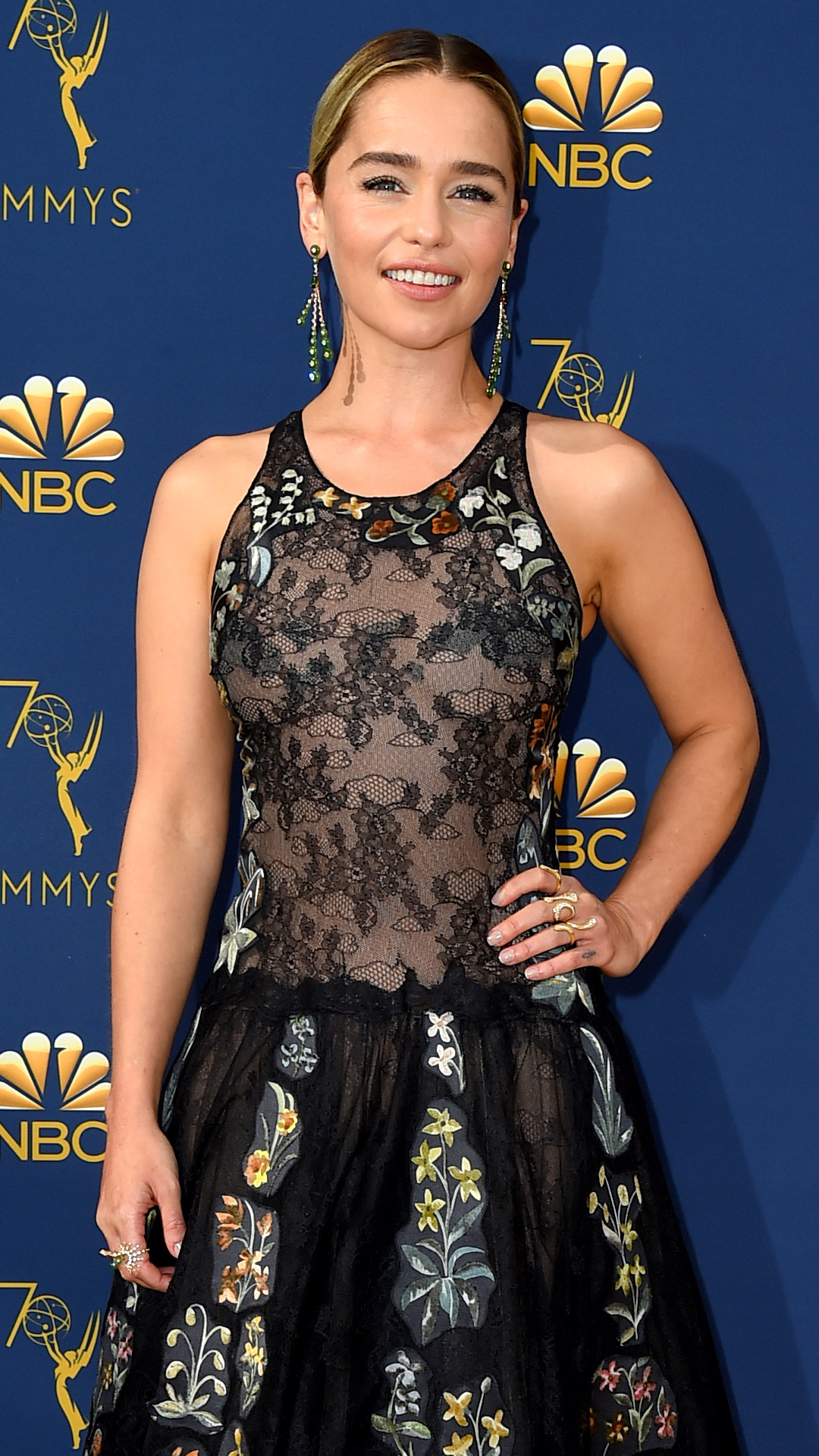 Emilia Clarke, 2018 Emmys, 2018 Emmy Awards, Red Carpet Fashions