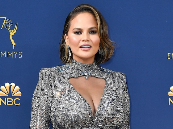 Chrissy Teigen Claps Back at Body-Shamer From 2018 Emmy Awards