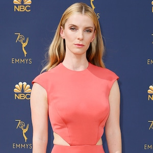 Betty Gilpin, 2018 Emmys, 2018 Emmy Awards, Red Carpet Fashions