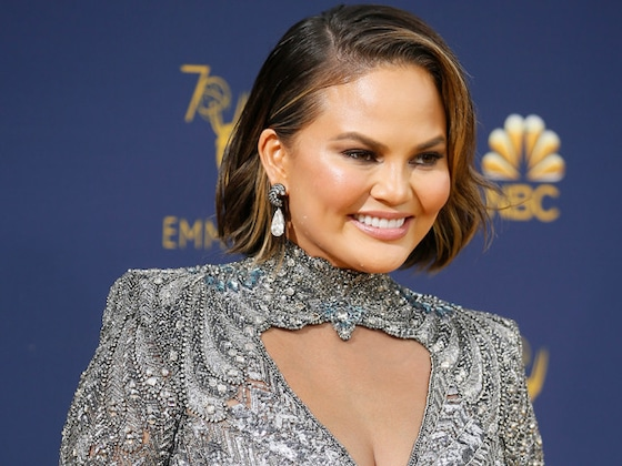 Chrissy Teigen, Leslie Jones and More Must-See Reactions at the 2018 Emmys