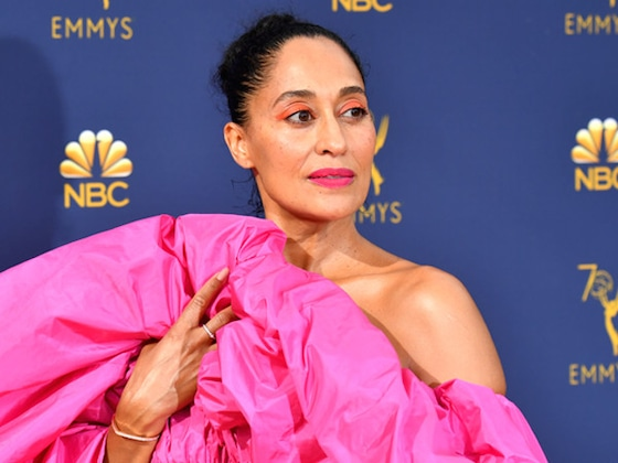 Emmys 2018 Best Beauty: Mandy Moore, Chrissy Teigen, Tracee Ellis Ross and More