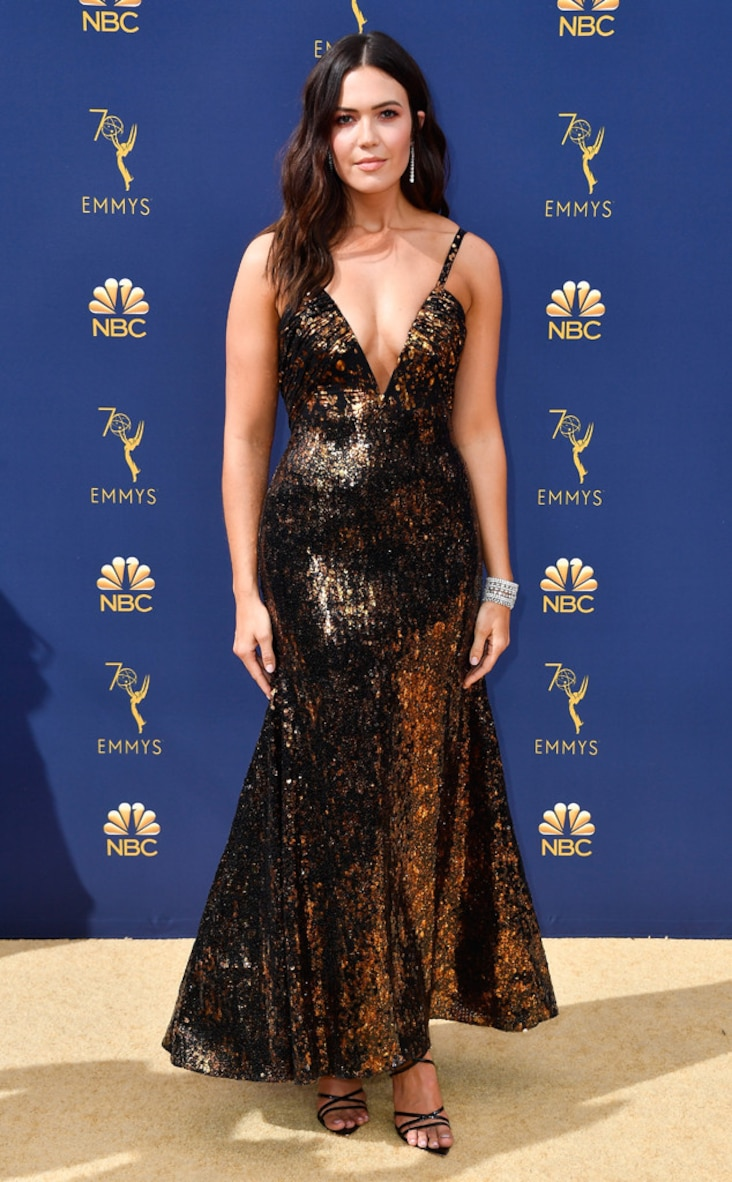 2018 Emmys Red Carpet Fashion Mandy Moore, 2018 Emmys, 2018 Emmy Awards, Red Carpet Fashions