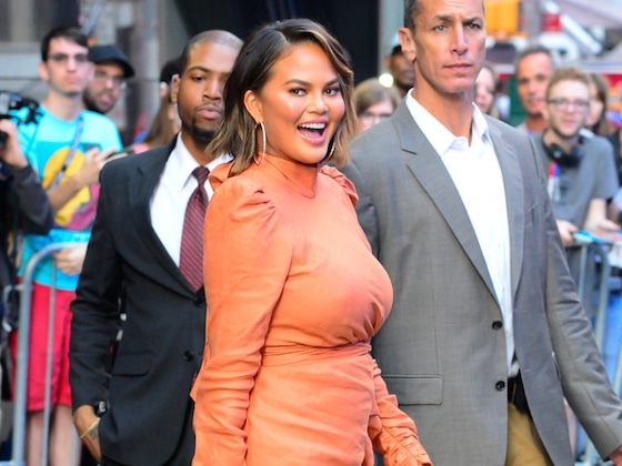 Chrissy Teigen Is Going to Great—and Hilarious—Lengths to Potty-Train Luna on Tour