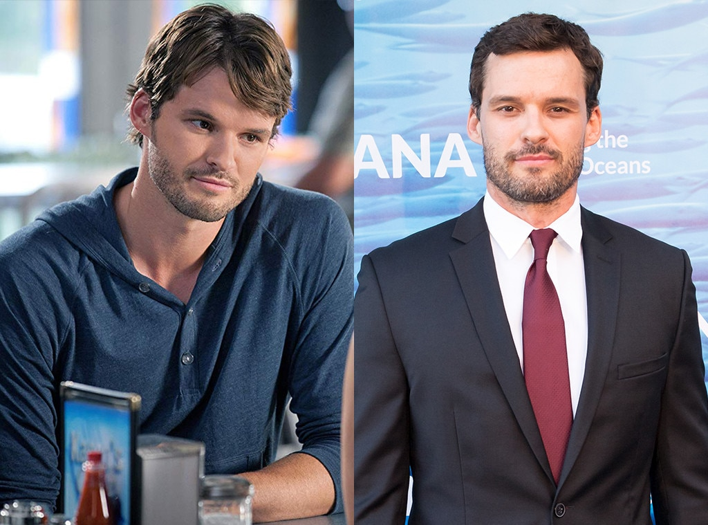 Austin Nichols as Julian Baker -  Austin Nichols has done pretty well for himself since his last appearance on  One Tree Hill  in the finale. He played Spencer on  The Walking Dead , and then played Sam on  Bates Motel .