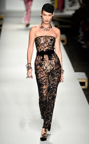 ESC: Best Looks Milan Fashion Week, Moschino