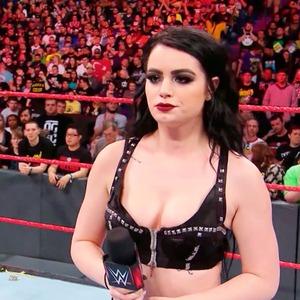 Paige, Total Divas 802