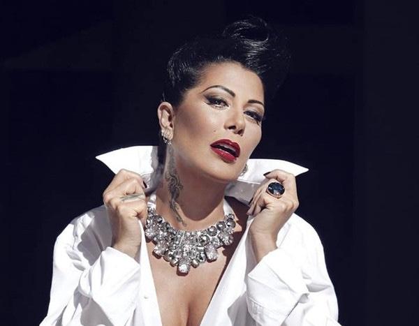 Madre colombiana de 41 anos muy puta corre como una fuente - 3 part 1