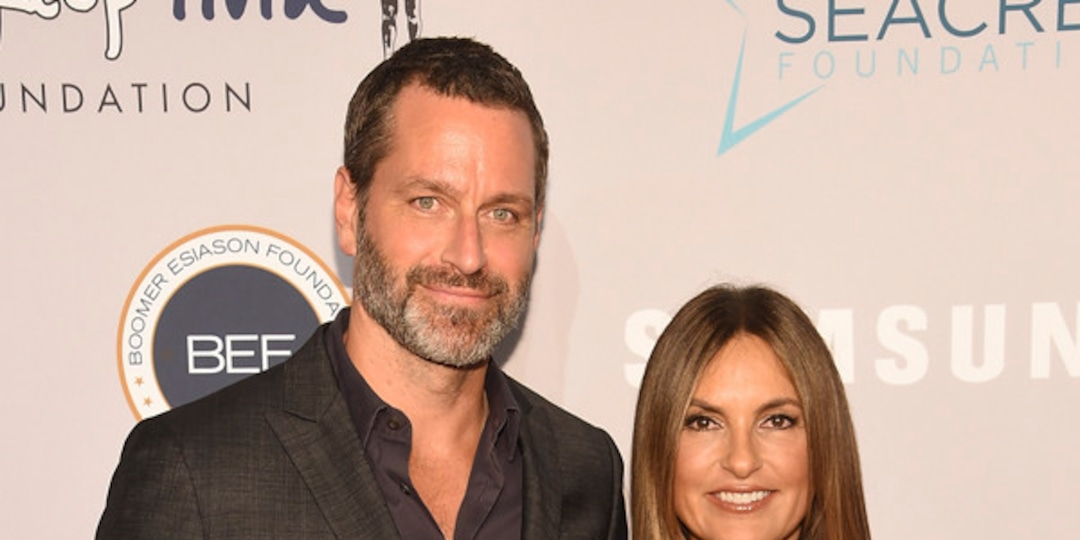 "Watch Peter Hermann Laugh Off ""Throuple"" Status With Wife Mariska Hargitay & Christopher Meloni - E! Online.jpg"