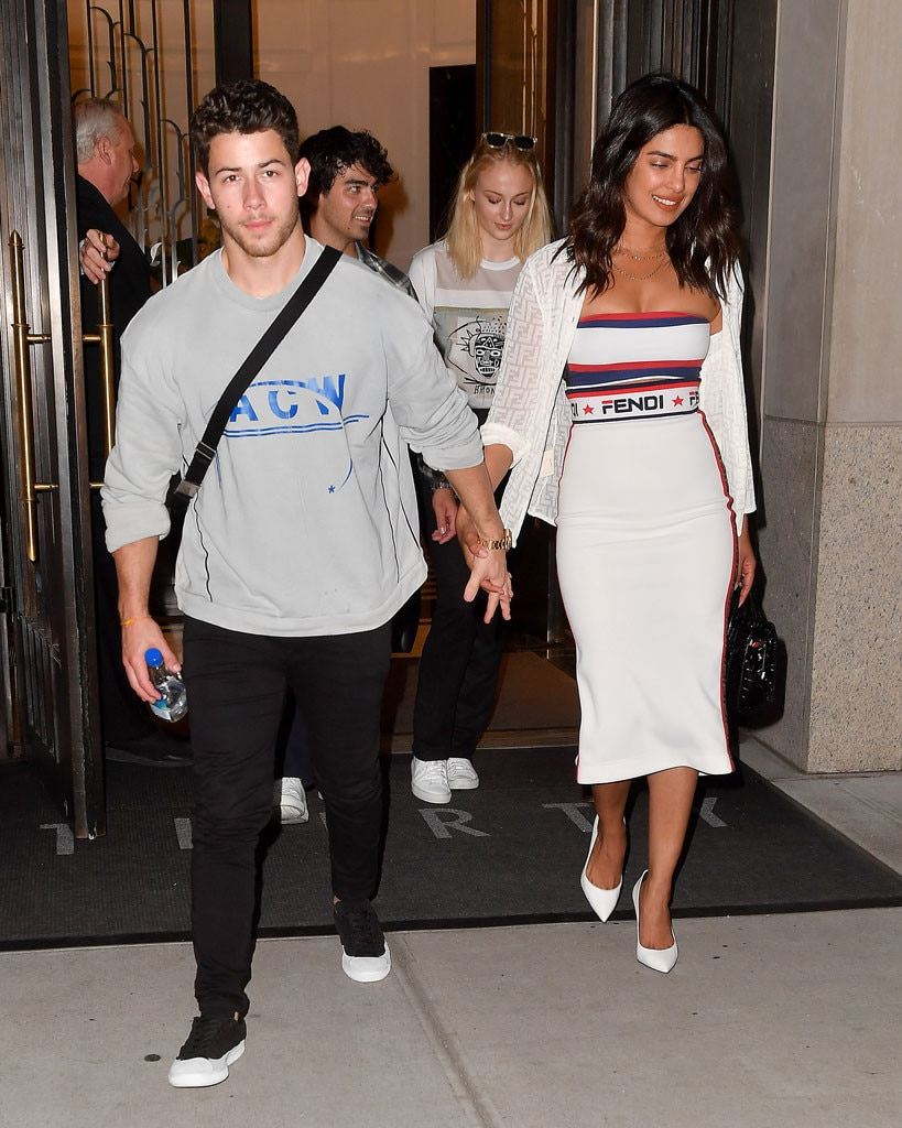 It's a Nick Jonas and Priyanka Chopra 'famjam' at the US Open