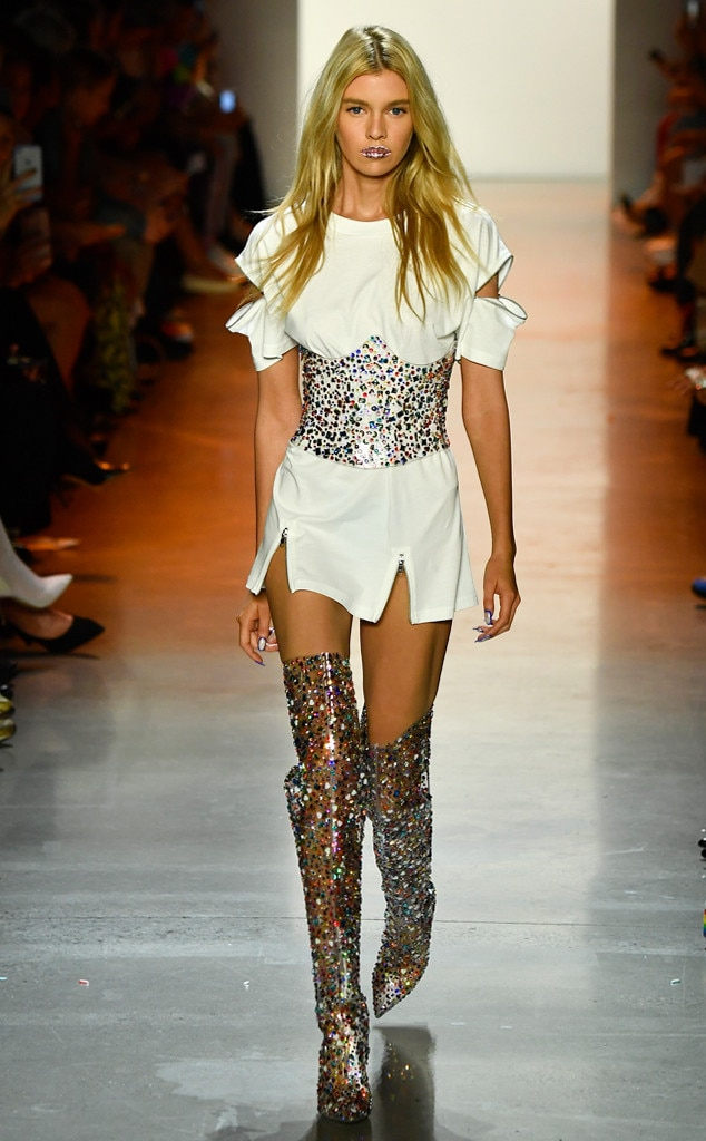purchase cheap a9fd7 7296c Jeremy Scott from Best Looks at New York Fashion Week Spring 2019 ...