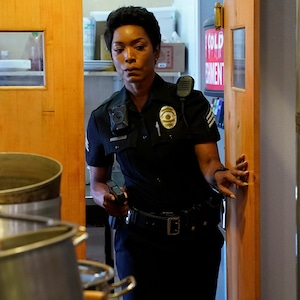 9-1-1, Angela Bassett, Peter Krause
