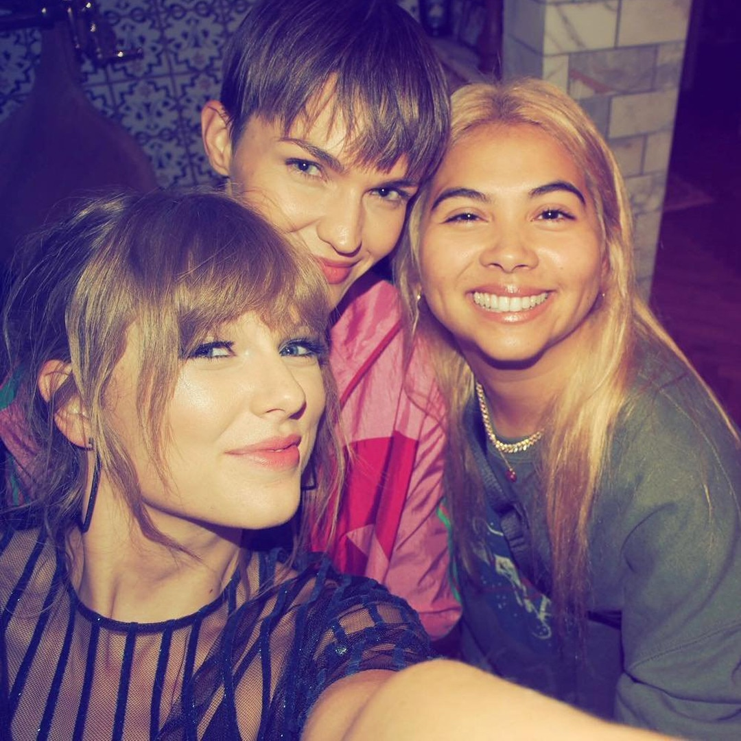 Squad Goals -  Hayley Kiyoko and Ruby Rose flashed their pearly whites for a selfie with the record-breaking musician.