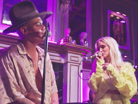 Jessica Simpson Supports Sister Ashlee Simpson-Ross at Her First Live Performance in Years on <i>ASHLEE+EVAN</i>