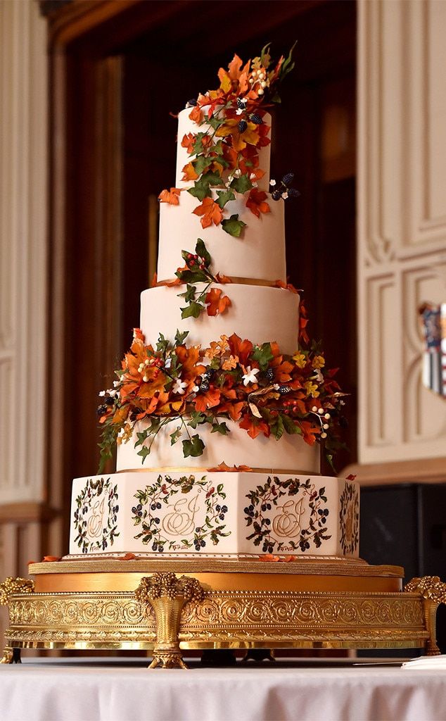 Prince Harry Meghan Markle From Royal Wedding Cakes E News