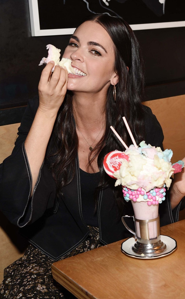 Katie Lee From Stars Really Do Eat  E News-8199
