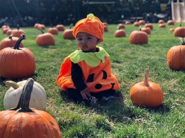 Khloe Kardashian, True Thompson, Pumpkin, Pre-Halloween