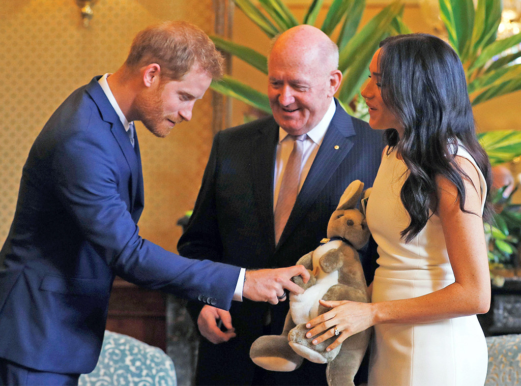 Peter Cosgrove, Prince Harry, Meghan Markle, Toy Kangaroo