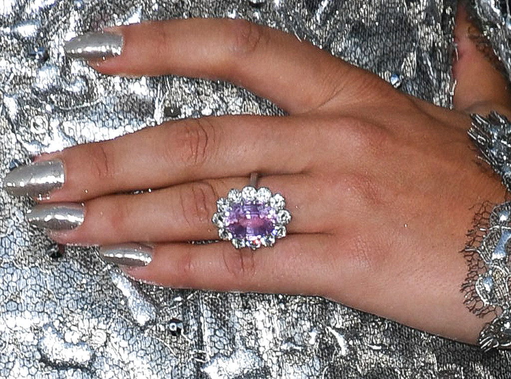 Lady Gaga, engagement ring