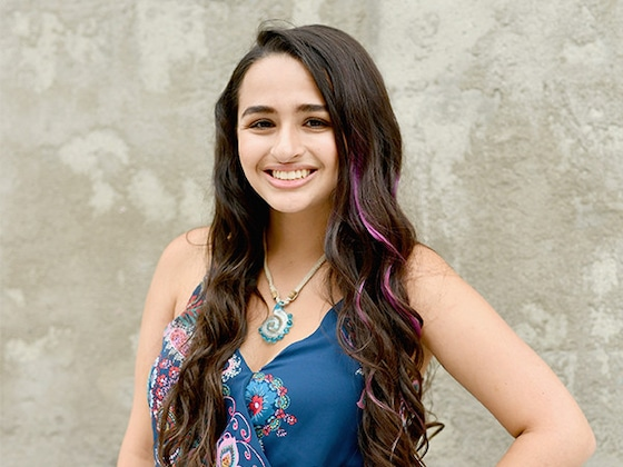 Jazz Jennings Hosts a ''Farewell to Penis'' Party Before Gender Confirmation Surgery