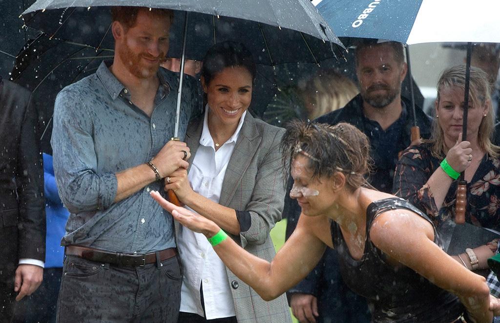 Meghan Markle, Prince Harry, Rain