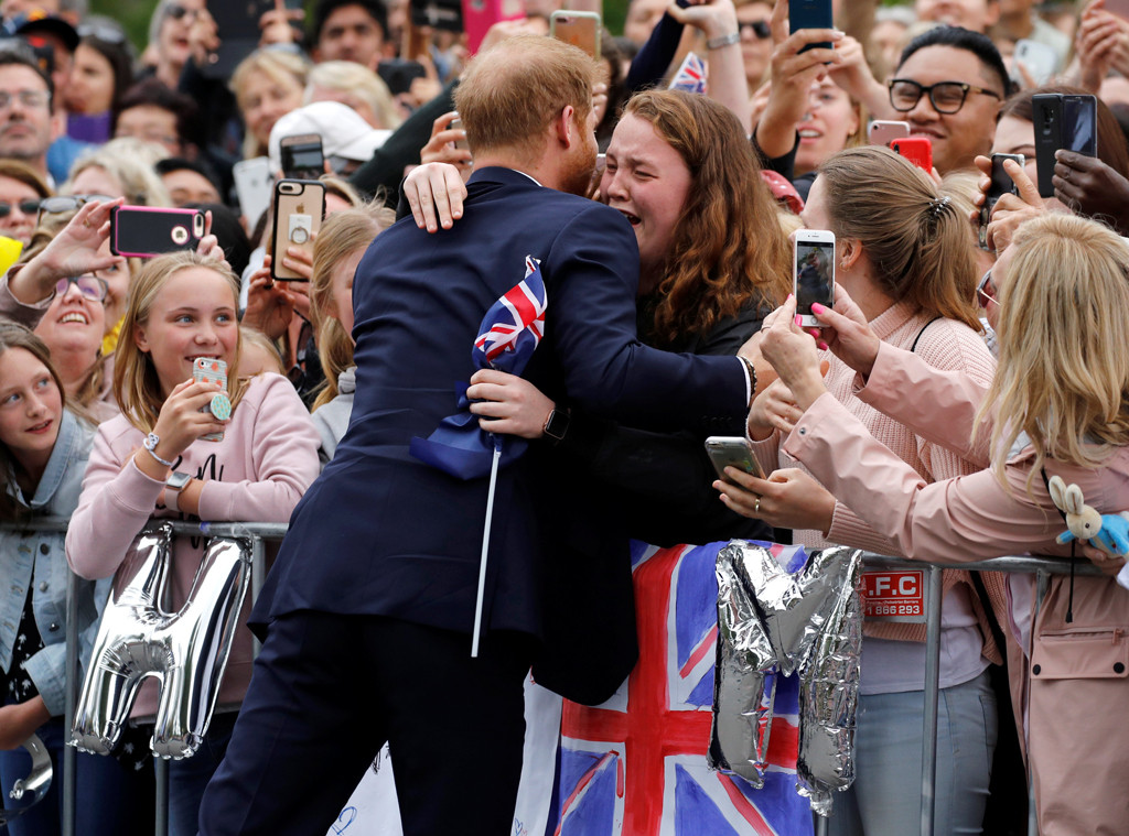 Prince Harry, Fan, Hug