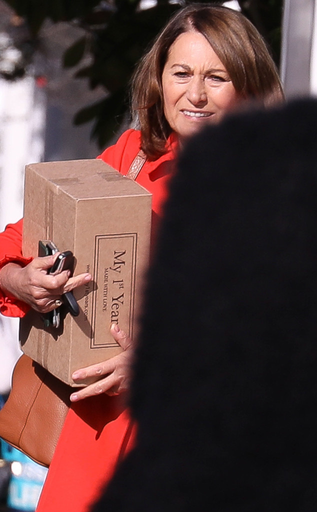 Pippa Middleton S Mom Carole Brings Sweet Gifts For
