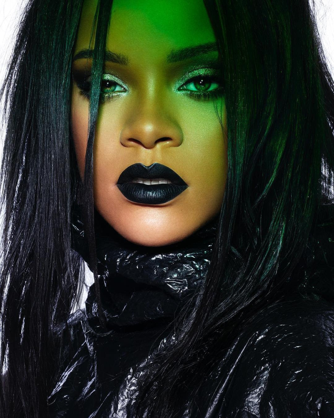 Rihanna turns goth now vid naked (66 photos), Instagram Celebrity images