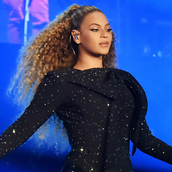 Beyonce Knowles, On the Run II tour, concert costumes