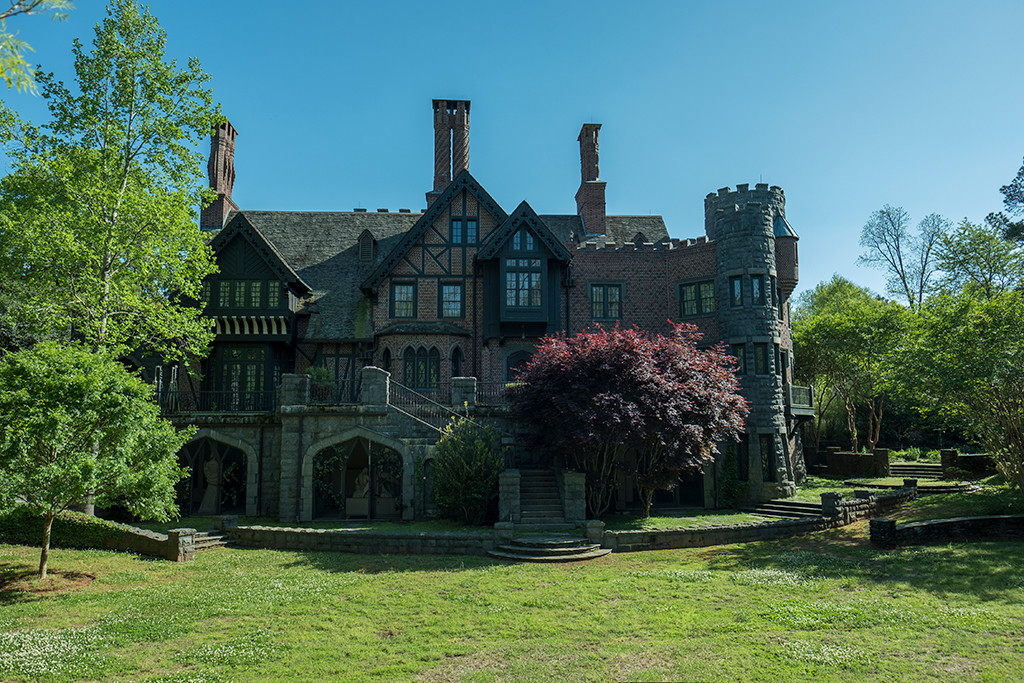 Photos From Everything We Know About The Haunting Of Bly Manor E Online Uk