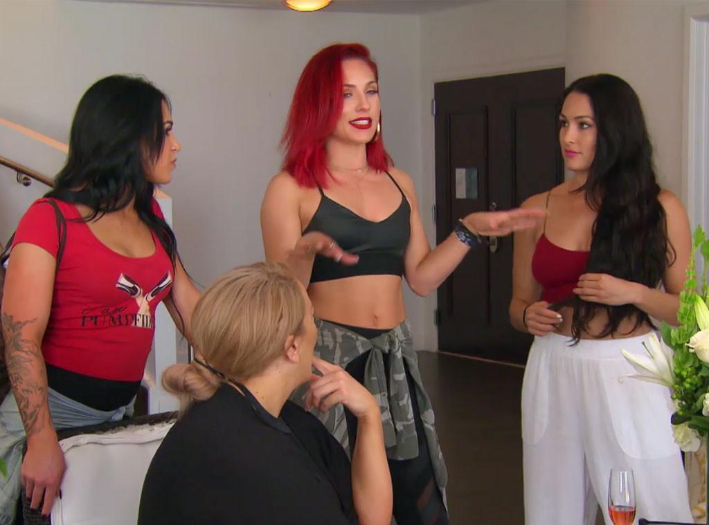 Nikki Bella, Sharna Burgess, Nia Jax, Total Divas 806