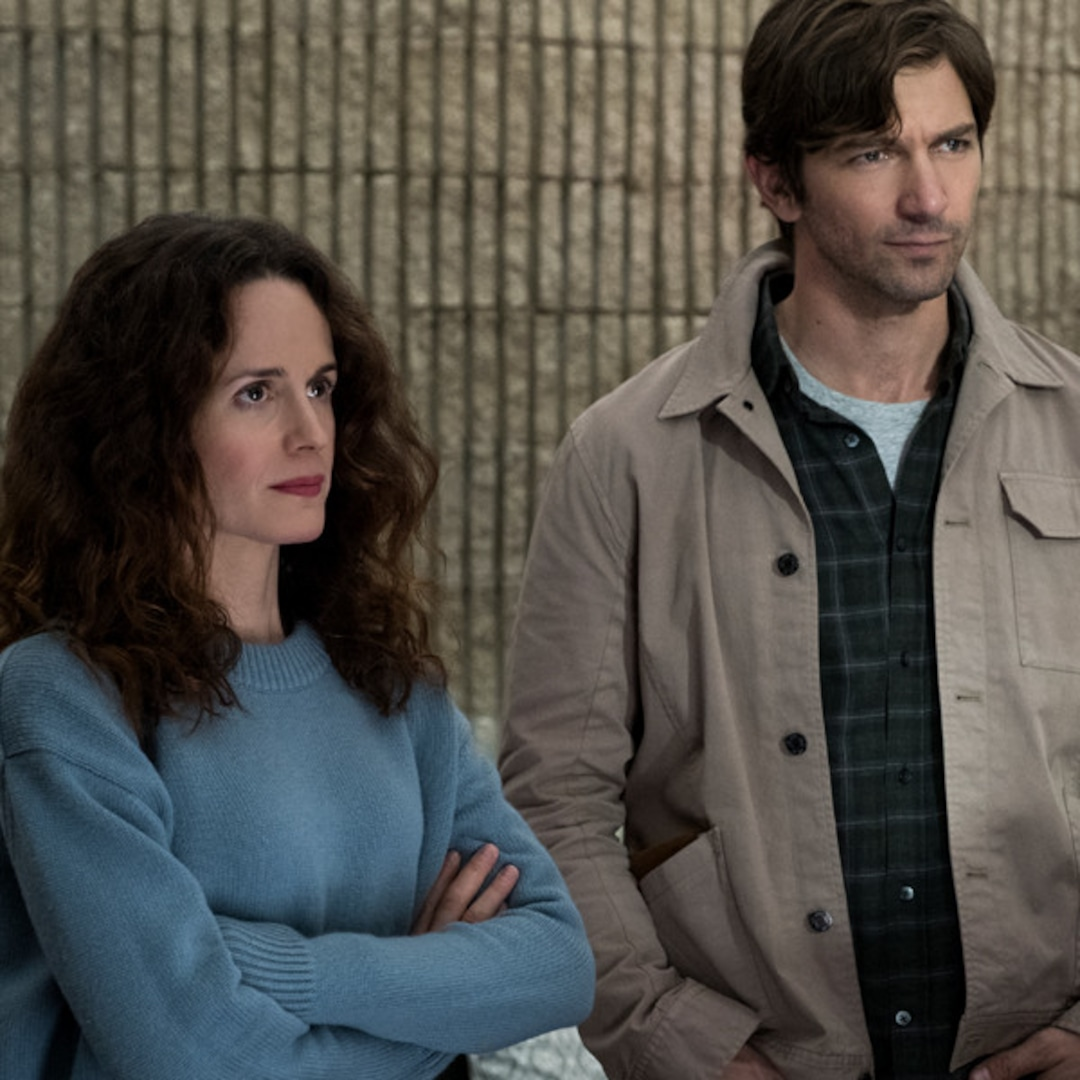 Did You Catch These Haunting Of Hill House Hidden Ghosts E Online