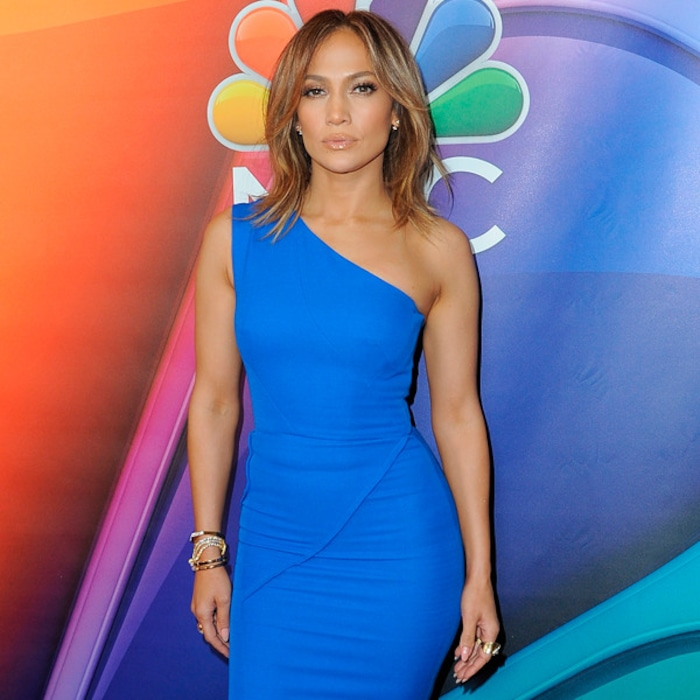b6e899d6f89 Check Out All the Celebs Who Can t Stop Wearing Victoria Beckham s Stylish  Designs on People s Choice Awards