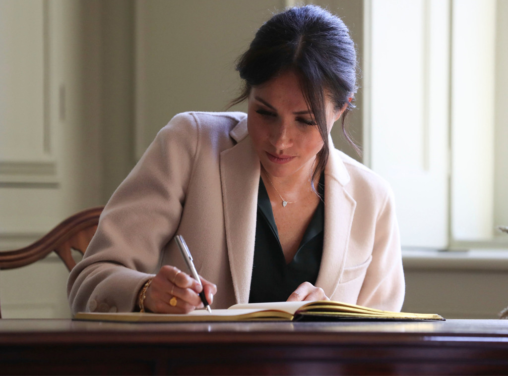 Meghan Markle, Signature, Sussex Visit