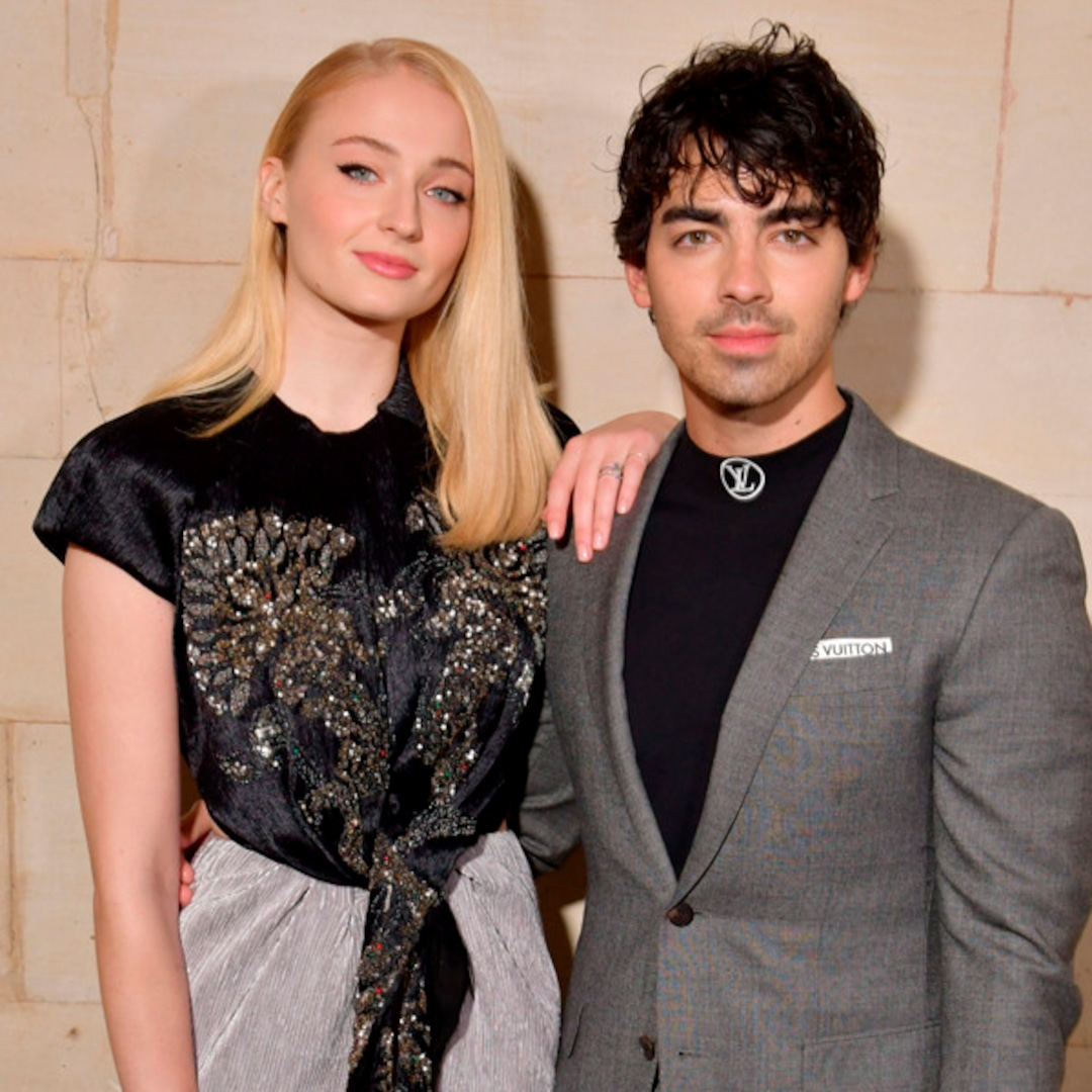 Sophie Turner and Joe Jonas Step Out for the First Time Since Becoming Parents – E! NEWS