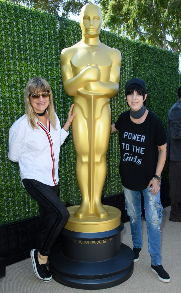 Catherine Hardwicke & Diane Warren -  The  Twilight  director, left, and songwriter for films like  Notting Hill  came together for a photo with the gold figure.