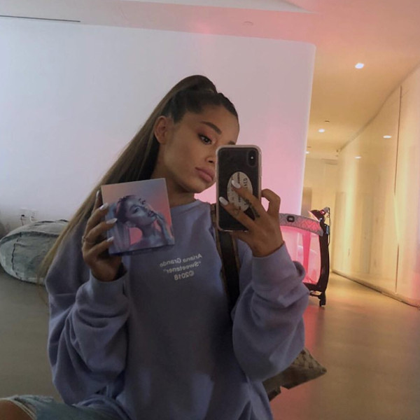 You Ll Never Guess Why Ariana Grande Has A Baby Crib In Her