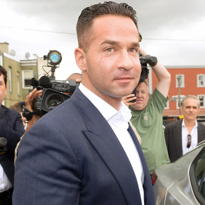 cac7a1e32 Mike The Situation Sorrentino Begins His Prison Sentence | E! News