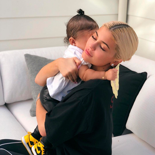 Kylie Jenner and Stormi Have Cute Photo Shoot for Her 8-Month Birthday