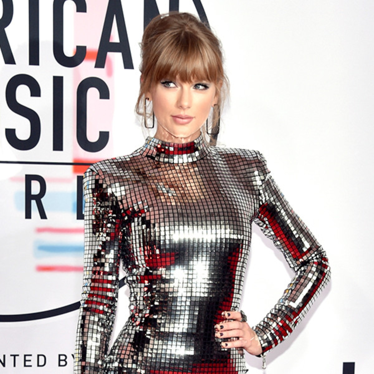 Taylor Swift S American Music Awards Looks Through The Years E Online