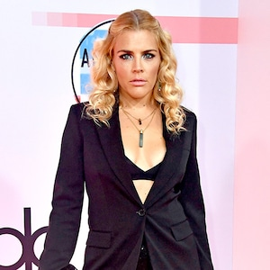 Busy Philipps, 2018 American Music Awards, 2018 AMA's