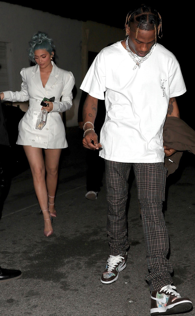 84436fdb211 Here s How Kendall and Kylie Jenner Celebrated New Year s Eve With Their  Leading Men