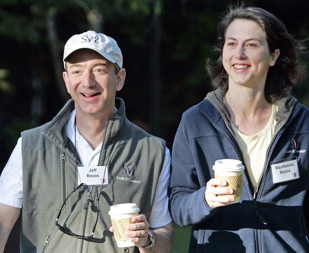 Jeff Bezos, Mackenzie Bezos, 2006