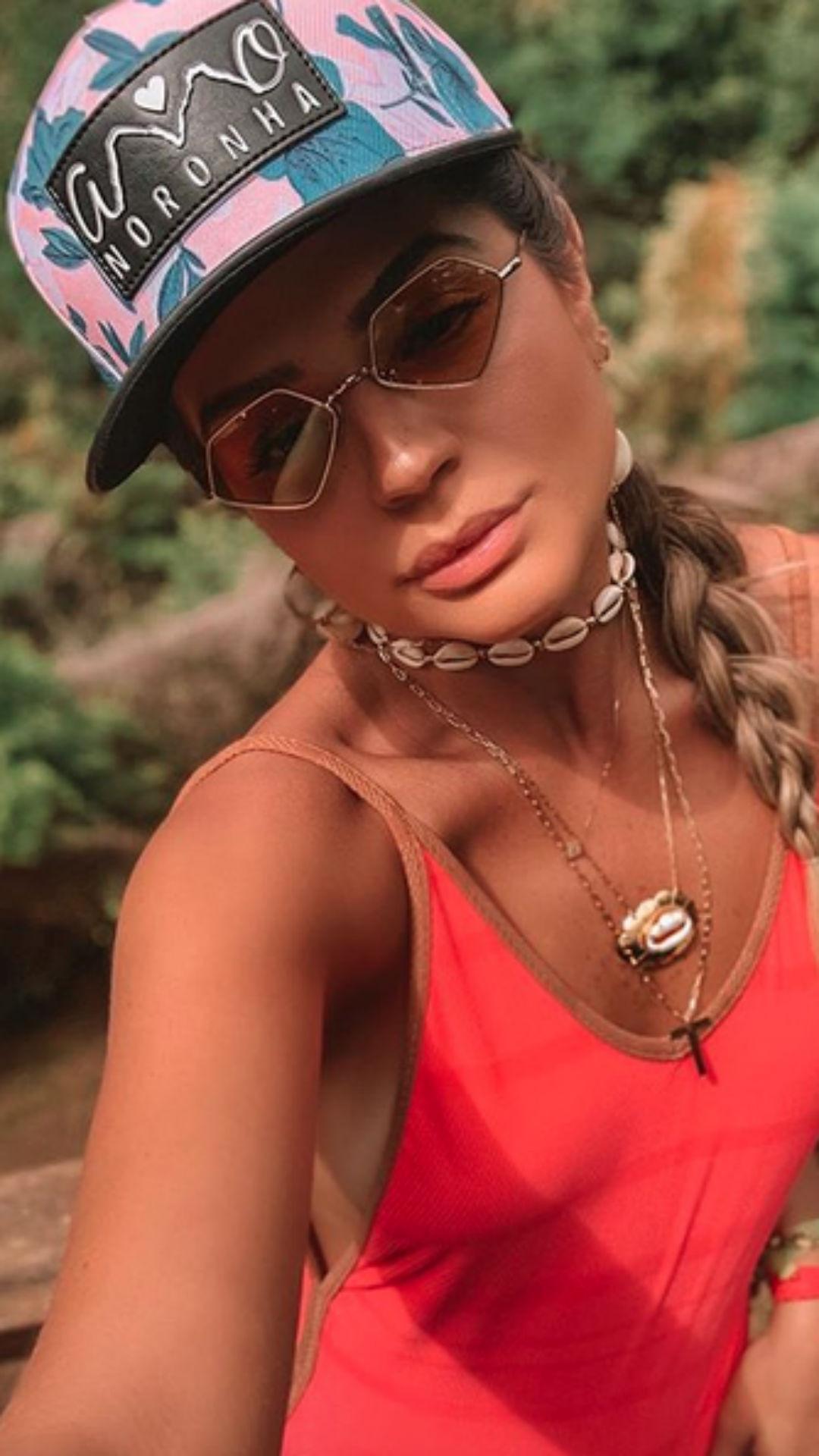 Thassia Naves, colar de búzios